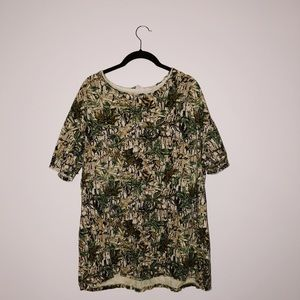 Urban outfitters oversized camo tee